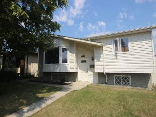 Main Photo: 4916 11A Avenue in Edmonton: Zone 29 House for sale : MLS(r) # E4073512