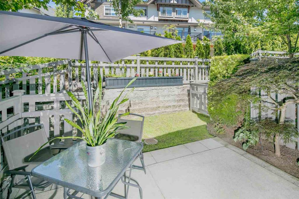 Main Photo: 43 55 Hawthorn Drive in Port Moody: Home for sale : MLS®# R2185760