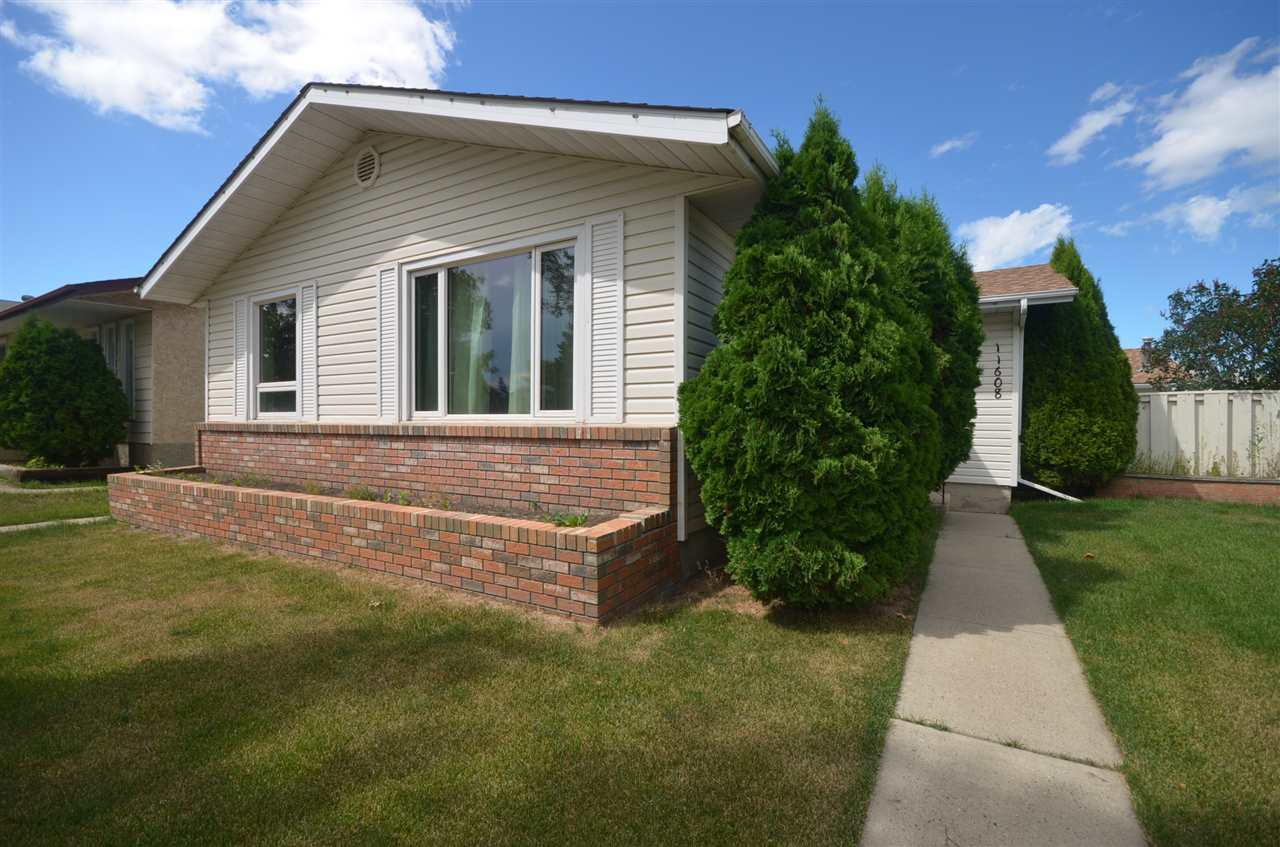 Main Photo: 11608 139 Avenue in Edmonton: Zone 27 House for sale : MLS® # E4074835
