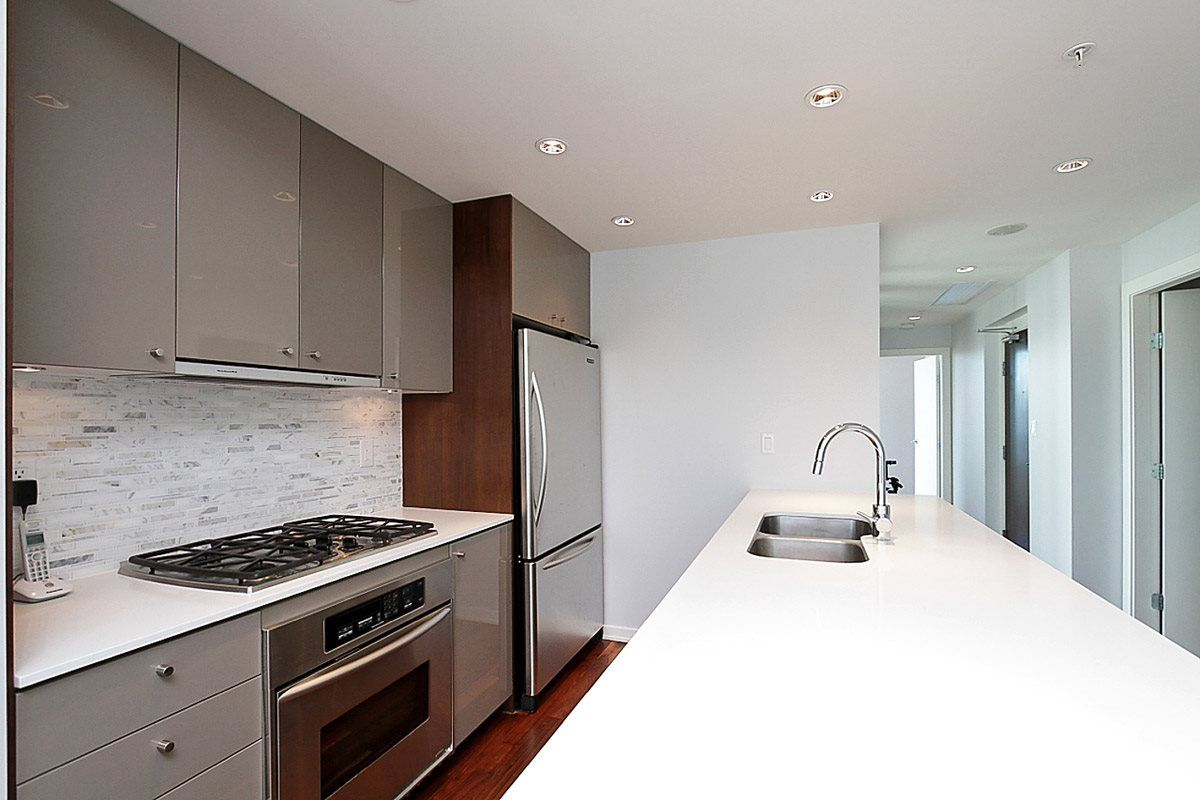 "Main Photo: 2403 1005 BEACH Avenue in Vancouver: West End VW Condo for sale in ""ALVAR"" (Vancouver West)  : MLS® # R2216774"