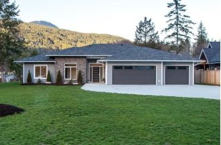 "Main Photo: 1436 MOONDANCE Place in Gibsons: Gibsons & Area House for sale in ""GEORGIA CREST PHASE II"" (Sunshine Coast)  : MLS®# R2239660"