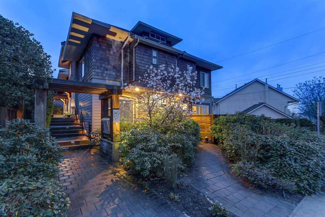 "Main Photo: 2 249 W 16 Street in North Vancouver: Central Lonsdale House 1/2 Duplex for sale in ""THE WEST"" : MLS®# R2257198"