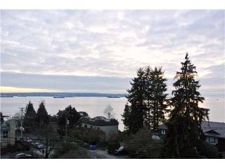 "Main Photo: 403 2187 BELLEVUE Avenue in West Vancouver: Dundarave Condo for sale in ""Surfside Tower"" : MLS®# R2304339"