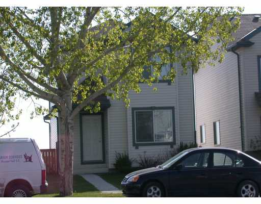 Main Photo:  in CALGARY: Shawnessy Residential Detached Single Family for sale (Calgary)  : MLS(r) # C3126119
