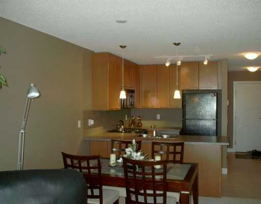 Main Photo:  in CALGARY: Lincoln Park Condo for sale (Calgary)  : MLS(r) # C3144211