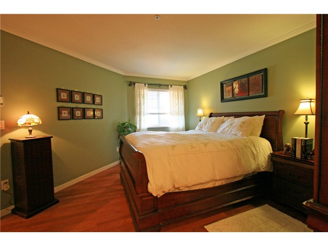 "Photo 4: 406 3075 PRIMROSE Lane in Coquitlam: North Coquitlam Condo for sale in ""LAKESIDE TERRACE"" : MLS® # V910059"