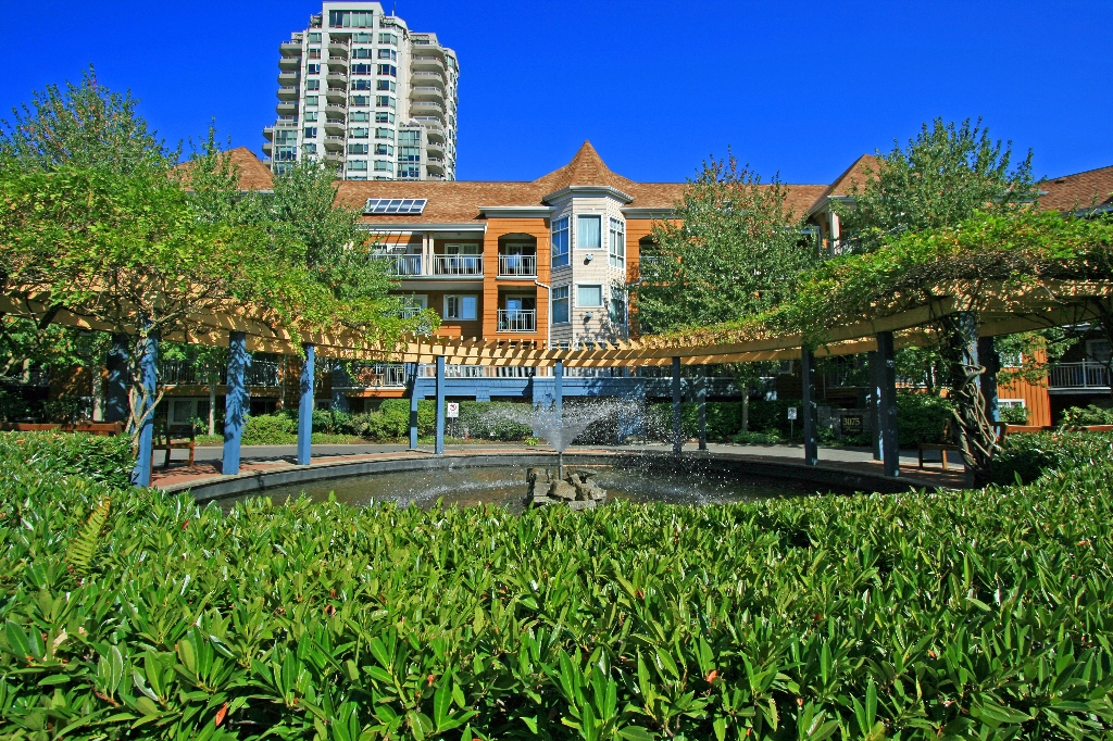 "Photo 13: 406 3075 PRIMROSE Lane in Coquitlam: North Coquitlam Condo for sale in ""LAKESIDE TERRACE"" : MLS® # V910059"