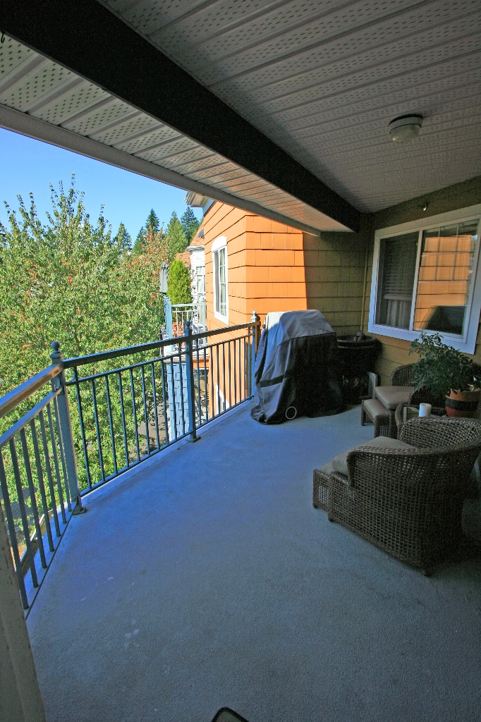 "Photo 14: 406 3075 PRIMROSE Lane in Coquitlam: North Coquitlam Condo for sale in ""LAKESIDE TERRACE"" : MLS® # V910059"