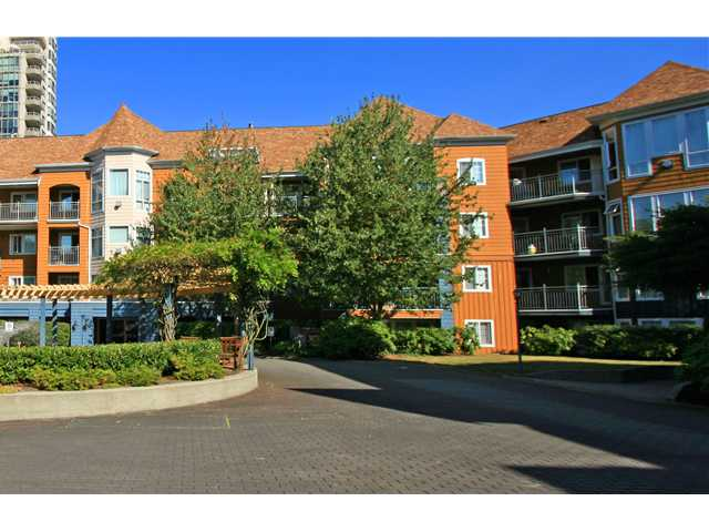 "Main Photo: 406 3075 PRIMROSE Lane in Coquitlam: North Coquitlam Condo for sale in ""LAKESIDE TERRACE"" : MLS® # V910059"