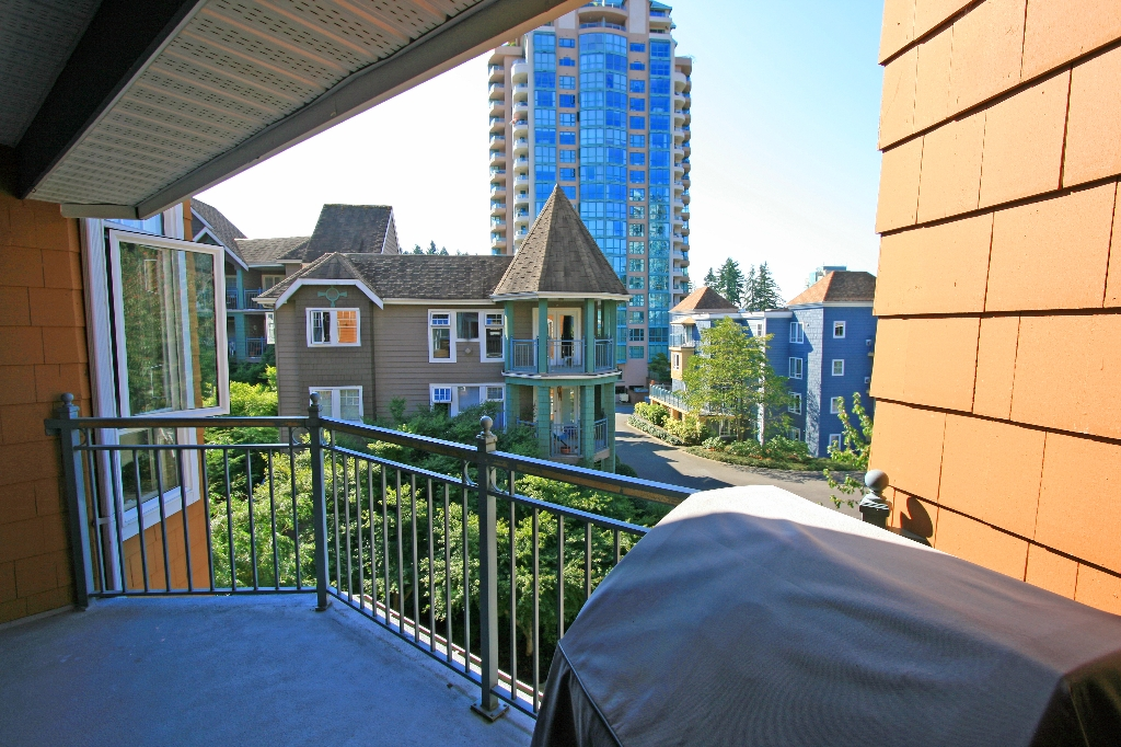 "Photo 15: 406 3075 PRIMROSE Lane in Coquitlam: North Coquitlam Condo for sale in ""LAKESIDE TERRACE"" : MLS® # V910059"