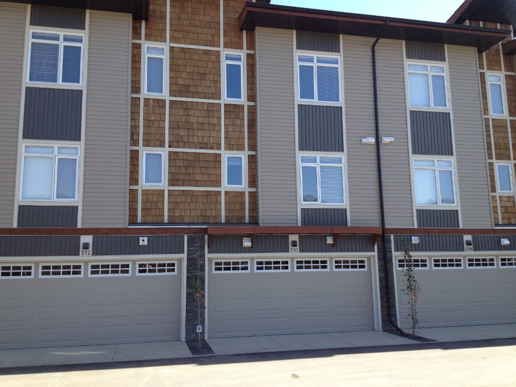Photo 3: 510 Skyview Point Place NE in Calgary: Skyview Ranch House for sale : MLS(r) # NEW