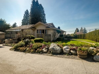 Main Photo: 1086-23rd Street in West Vancouver: Dundarave House for rent