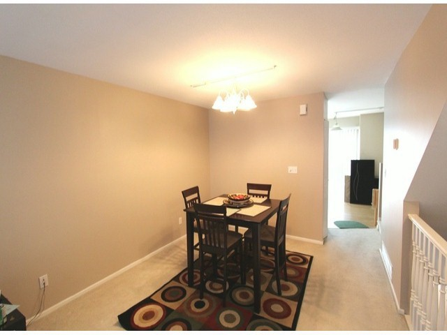 "Photo 4: 34 15488 101A Avenue in Surrey: Guildford Townhouse for sale in ""Cobblefield Lane"" (North Surrey)  : MLS® # F1324570"