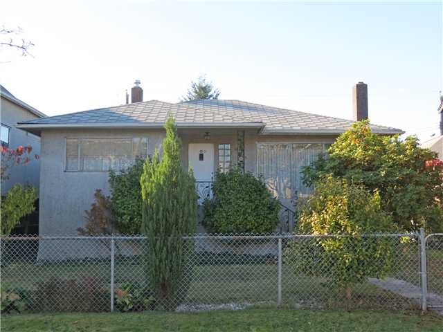 Main Photo: 1315 LAKEWOOD DR in Vancouver: Grandview VE House for sale (Vancouver East)  : MLS(r) # V1033837