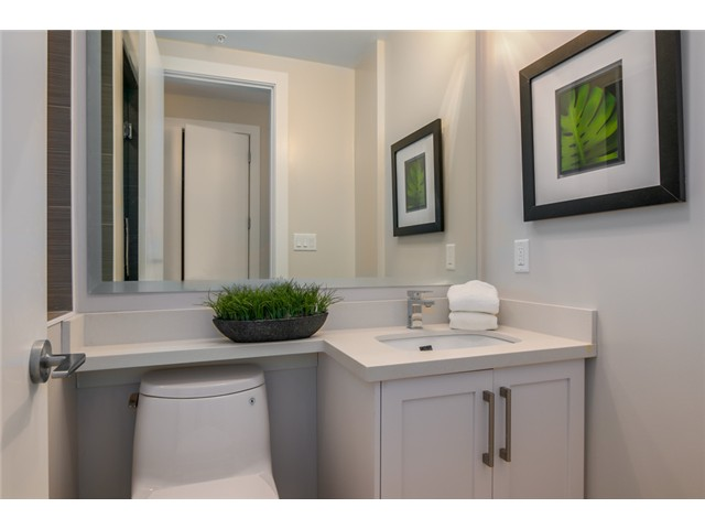 "Photo 10: 302 2028 YORK Avenue in Vancouver: Kitsilano Townhouse for sale in ""YORK"" (Vancouver West)  : MLS(r) # V1071100"