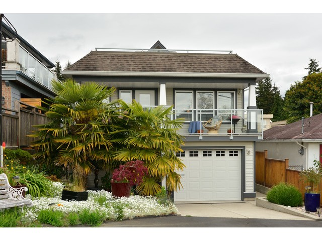 "Main Photo: 952 STEVENS Street: White Rock House for sale in ""White Rock Hillside"" (South Surrey White Rock)  : MLS® # F1440900"