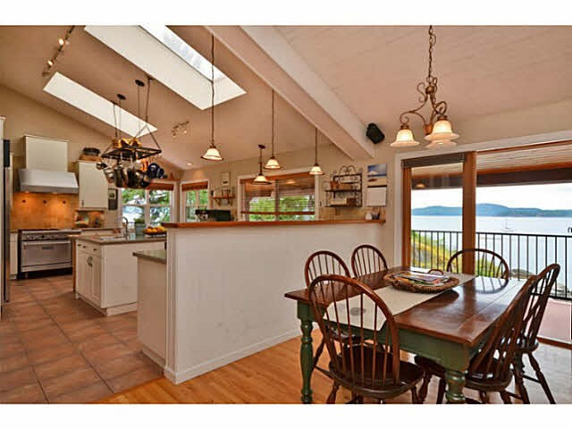 Photo 2: Photos: 5635 RUTHERFORD Road in Halfmoon Bay: Halfmn Bay Secret Cv Redroofs House for sale (Sunshine Coast)  : MLS® # R2006559