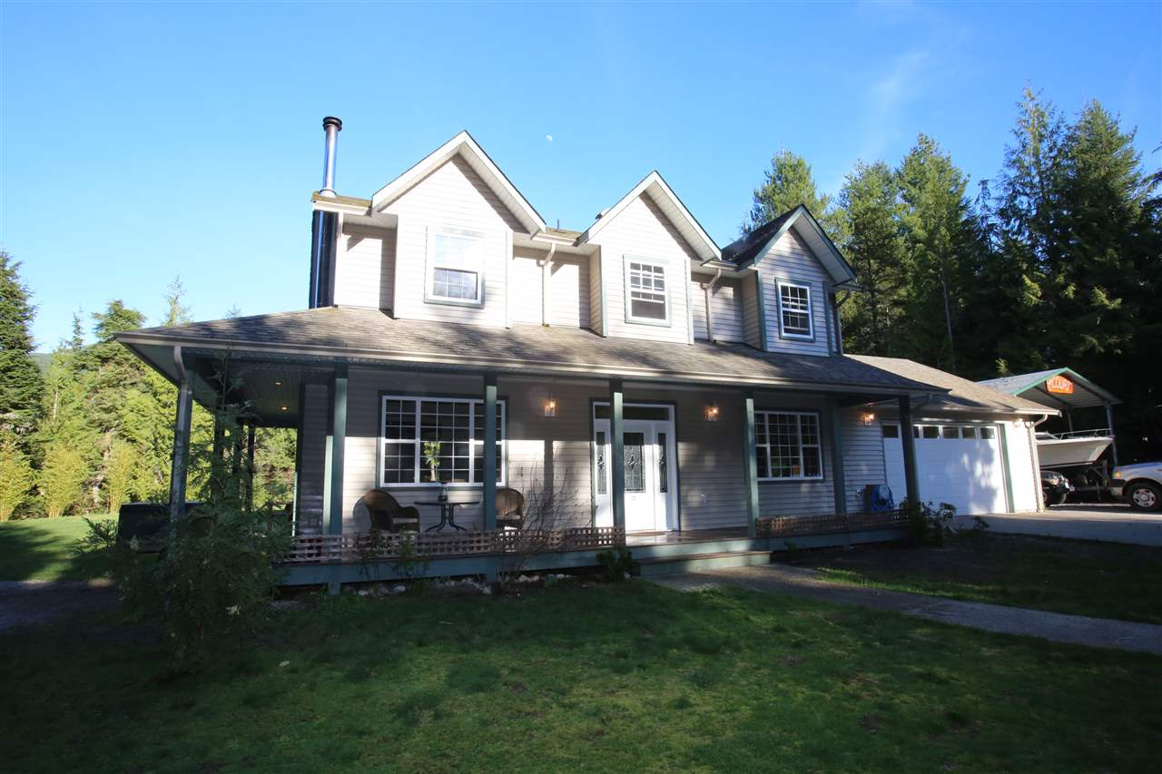 Photo 2: Photos: 5980 SECHELT INLET Road in Sechelt: Sechelt District House for sale (Sunshine Coast)  : MLS® # R2045230