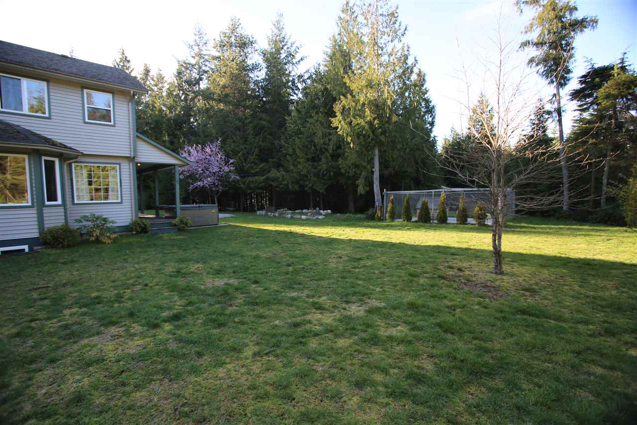 Photo 4: Photos: 5980 SECHELT INLET Road in Sechelt: Sechelt District House for sale (Sunshine Coast)  : MLS® # R2045230