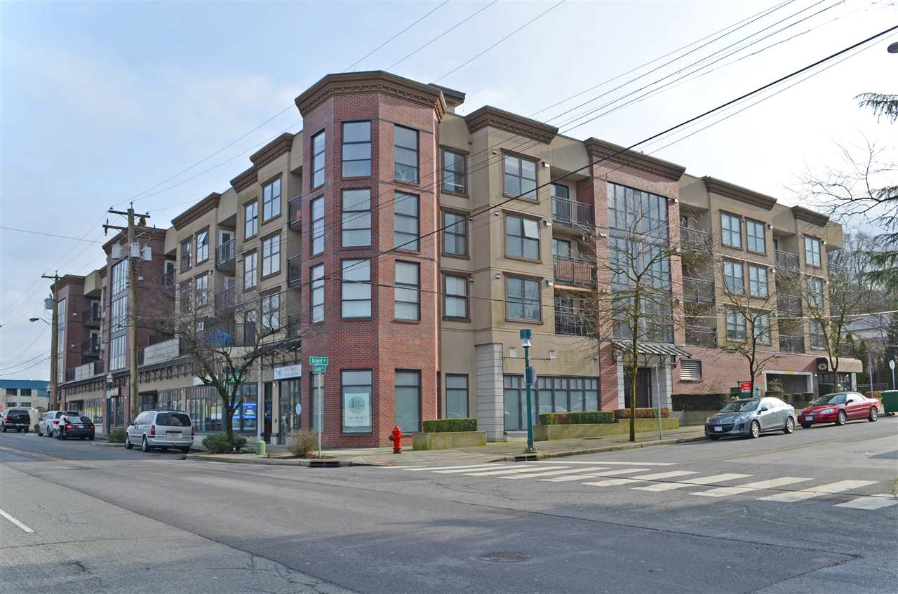 "Main Photo: 2016 84 GRANT Street in Port Moody: Port Moody Centre Condo for sale in ""THE LIGHTHOUSE"" : MLS® # R2060033"