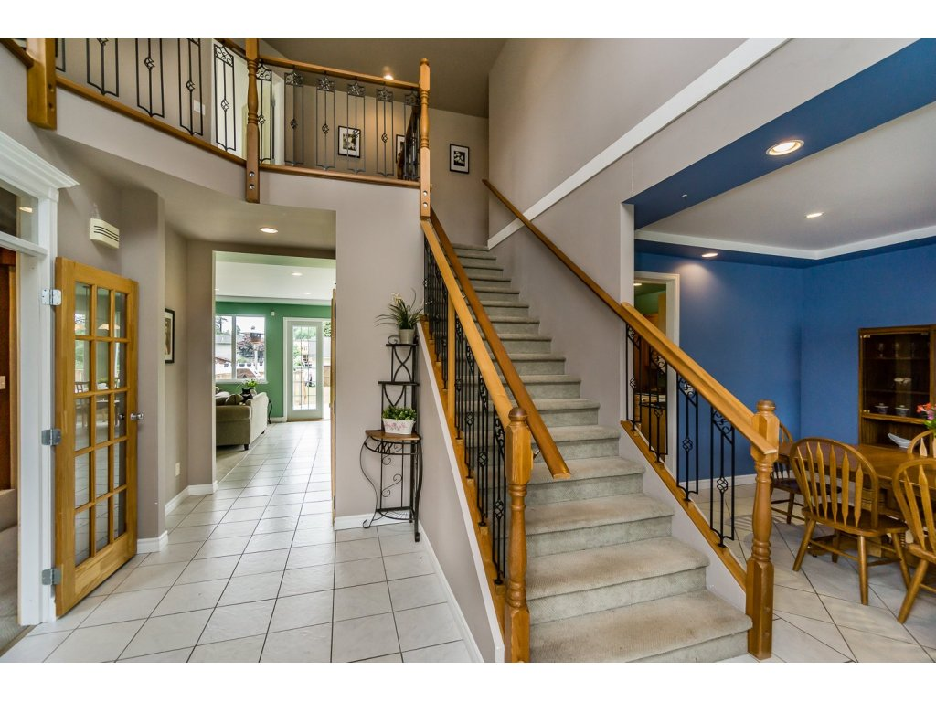 "Photo 4: 638 THOMPSON Avenue in Coquitlam: Coquitlam West House for sale in ""Burquitlam"" : MLS(r) # R2071441"