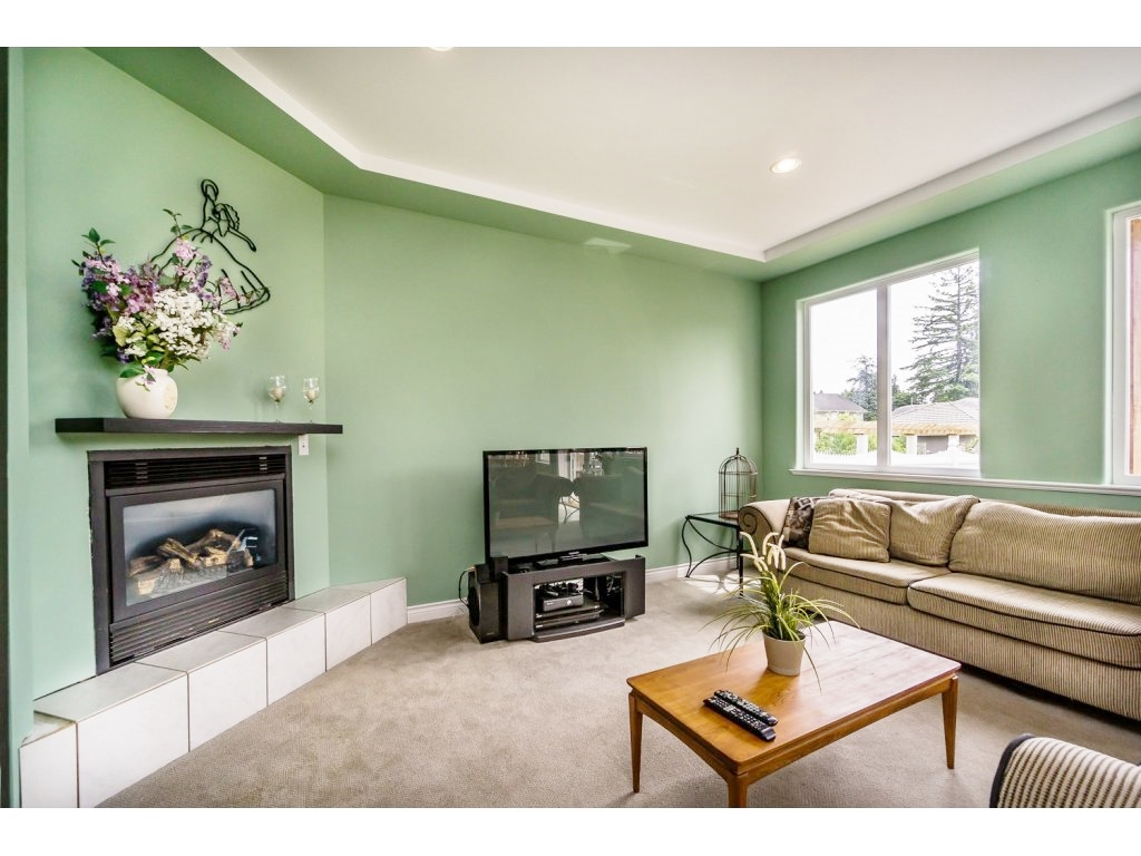 "Photo 11: 638 THOMPSON Avenue in Coquitlam: Coquitlam West House for sale in ""Burquitlam"" : MLS(r) # R2071441"