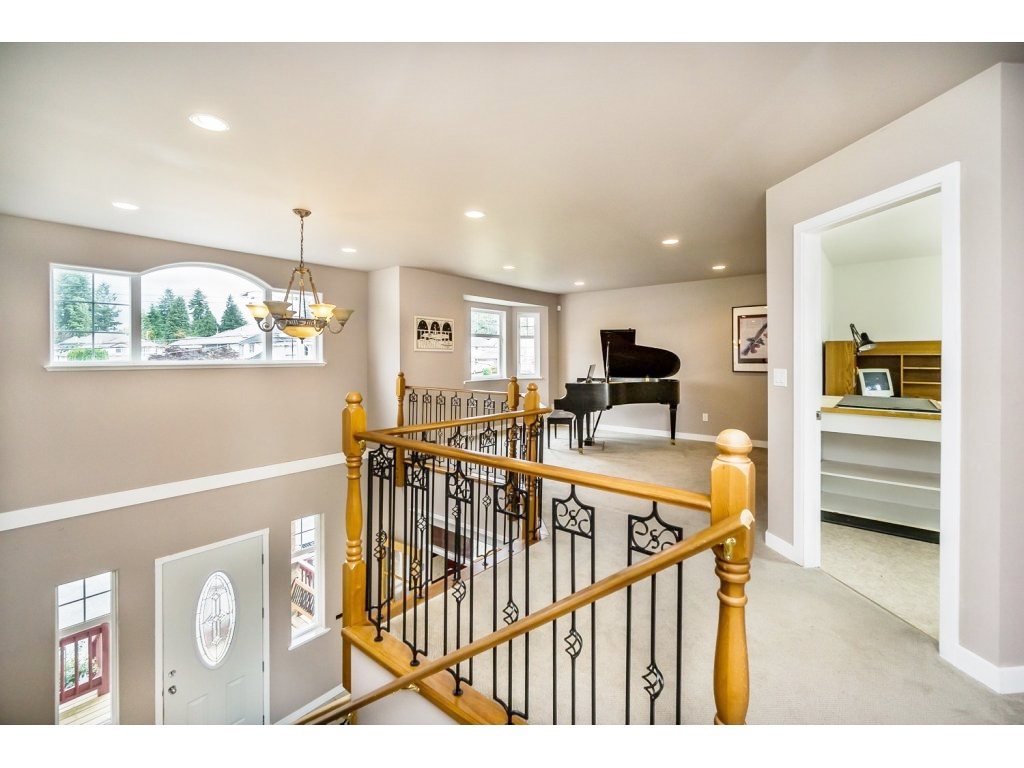 "Photo 14: 638 THOMPSON Avenue in Coquitlam: Coquitlam West House for sale in ""Burquitlam"" : MLS(r) # R2071441"
