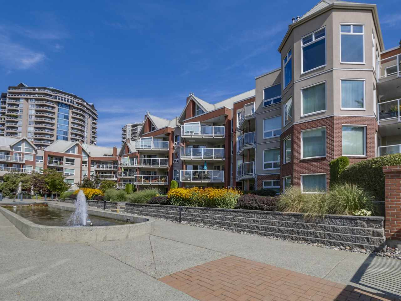 "Main Photo: 308A 1220 QUAYSIDE Drive in New Westminster: Quay Condo for sale in ""TIFFANY SHORES"" : MLS(r) # R2106007"