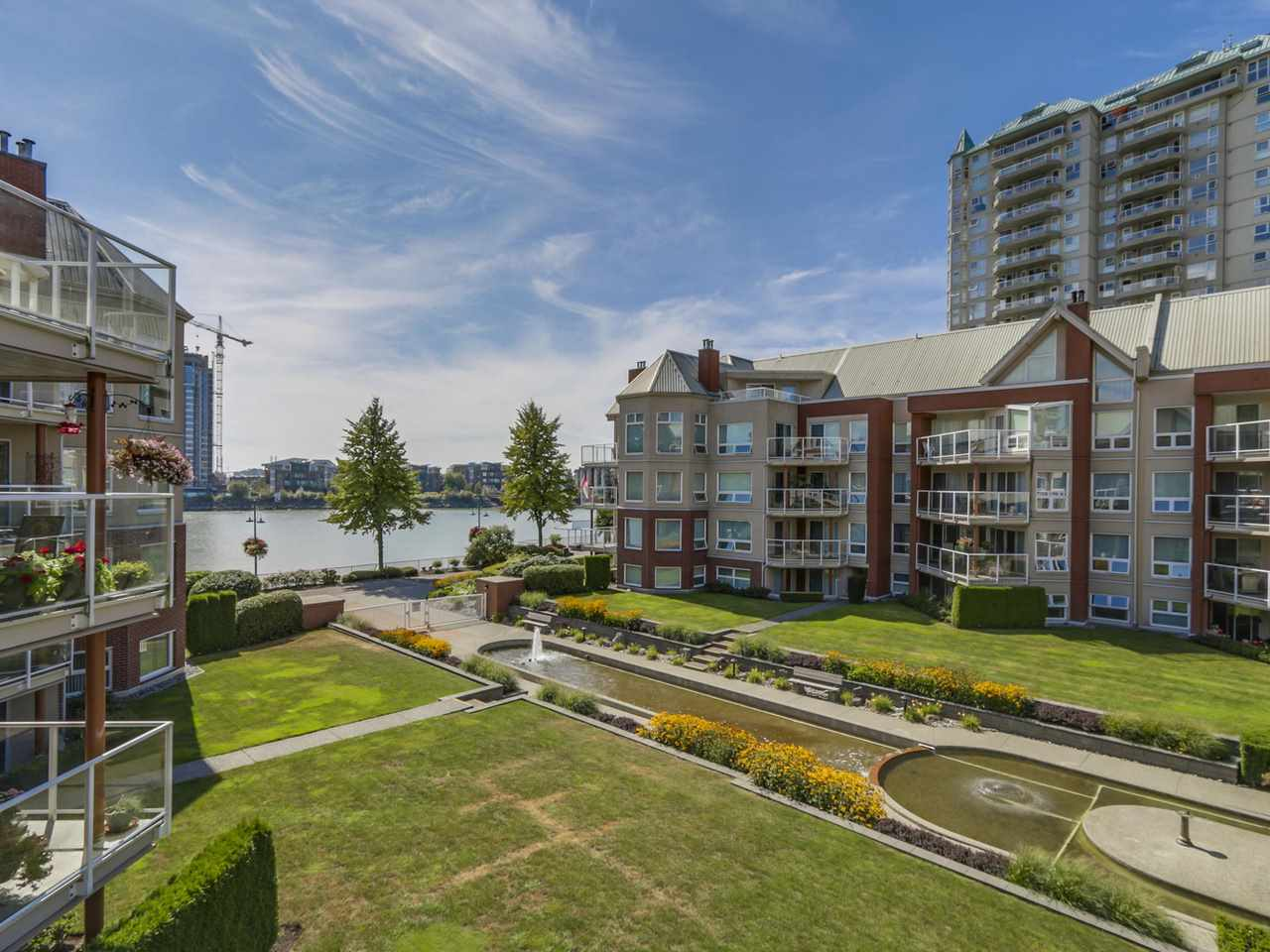 "Photo 2: 308A 1220 QUAYSIDE Drive in New Westminster: Quay Condo for sale in ""TIFFANY SHORES"" : MLS(r) # R2106007"