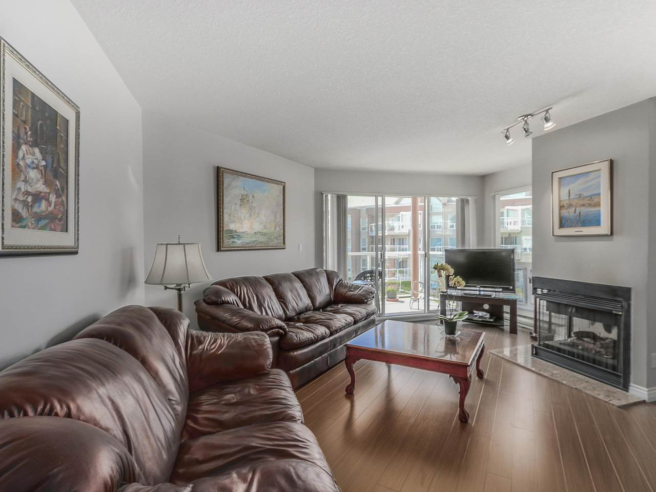 "Photo 11: 308A 1220 QUAYSIDE Drive in New Westminster: Quay Condo for sale in ""TIFFANY SHORES"" : MLS(r) # R2106007"