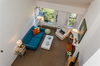 "Main Photo: 1305 MAPLE Street in Vancouver: Kitsilano House 1/2 Duplex for sale in ""KITS POINT"" (Vancouver West)  : MLS(r) # R2129849"