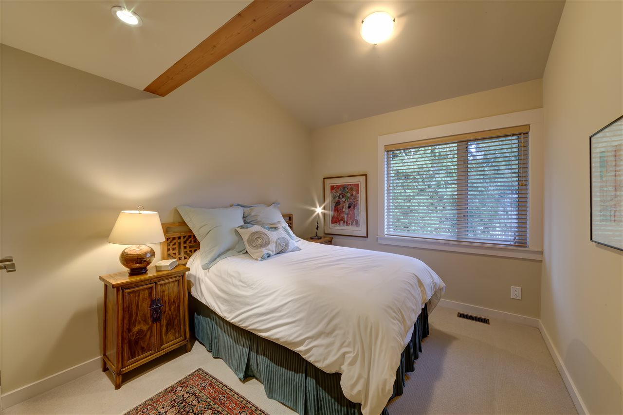 "Photo 19: 5396 WAKEFIELD BEACH Lane in Sechelt: Sechelt District Townhouse for sale in ""Wakefield Beach - Phase 1"" (Sunshine Coast)  : MLS(r) # R2135768"