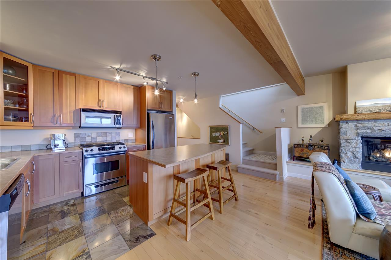 "Photo 10: 5396 WAKEFIELD BEACH Lane in Sechelt: Sechelt District Townhouse for sale in ""Wakefield Beach - Phase 1"" (Sunshine Coast)  : MLS(r) # R2135768"