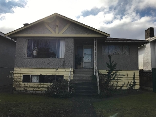 Main Photo: 3240 E 1ST Avenue in Vancouver: Renfrew VE House for sale (Vancouver East)  : MLS® # R2136924