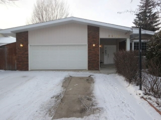 Main Photo: 8016 184 Street in Edmonton: Zone 20 House for sale : MLS(r) # E4050360