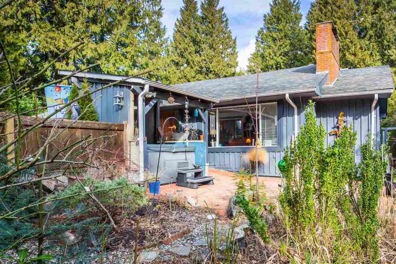 Main Photo: 7791 LOHN Road in Halfmoon Bay: Halfmn Bay Secret Cv Redroofs House for sale (Sunshine Coast)  : MLS® # R2139778