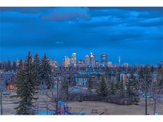 Main Photo: 1721 38 Avenue SW in Calgary: Altadore House for sale : MLS(r) # C4109600