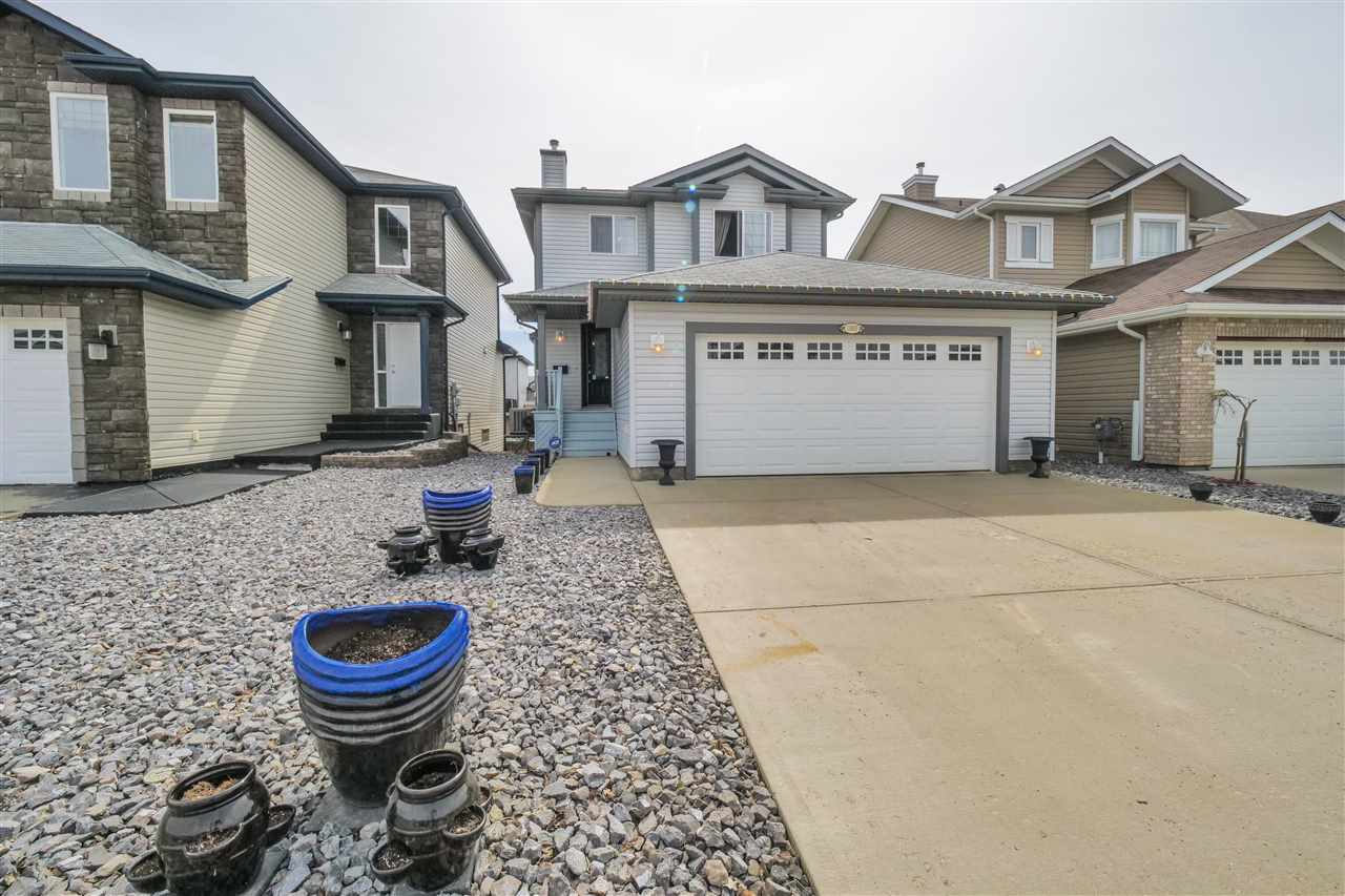 Main Photo: 11813 173A Avenue in Edmonton: Zone 27 House for sale : MLS(r) # E4062602
