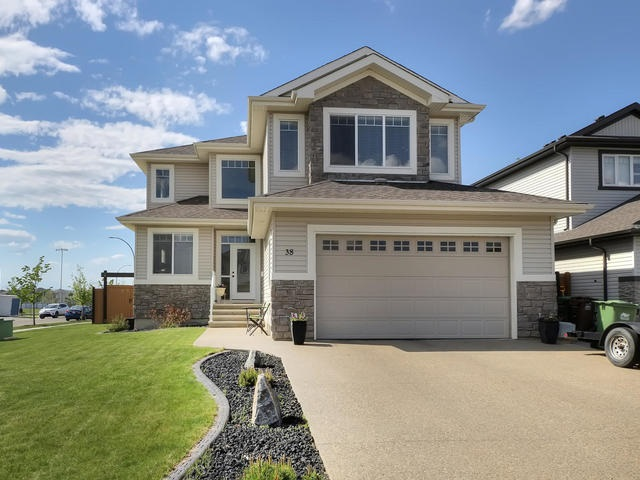 Main Photo: 38 NOBLE Close: St. Albert House for sale : MLS® # E4064790