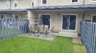 Main Photo:  in Edmonton: Zone 20 Townhouse for sale : MLS(r) # E4069201