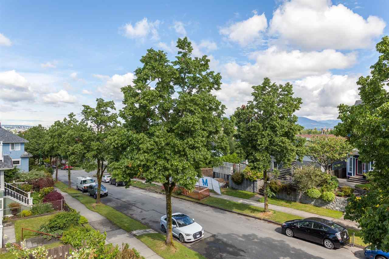 "Photo 20: 2042 E 5TH Avenue in Vancouver: Grandview VE House for sale in ""COMMERCIAL DRIVE"" (Vancouver East)  : MLS(r) # R2179017"
