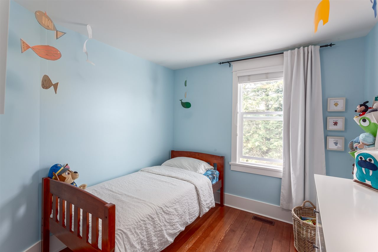 "Photo 13: 2042 E 5TH Avenue in Vancouver: Grandview VE House for sale in ""COMMERCIAL DRIVE"" (Vancouver East)  : MLS® # R2179017"