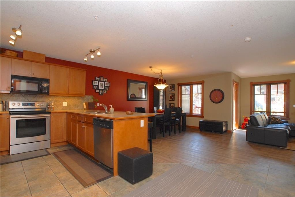 Main Photo: 319 170 Crossbow Place: Canmore Condo for sale : MLS® # C4126248