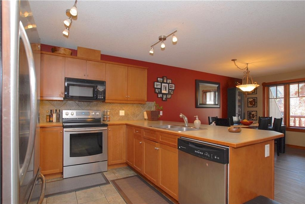 Photo 2: 319 170 Crossbow Place: Canmore Condo for sale : MLS® # C4126248