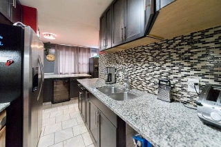 Main Photo: 313 VILLAGE ON THE Green in Edmonton: Zone 02 Townhouse for sale : MLS® # E4076574