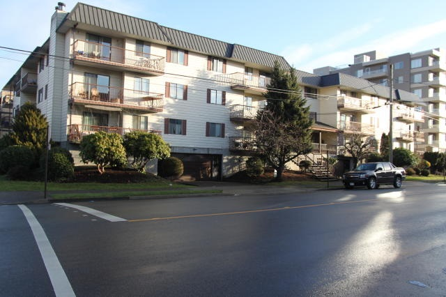 "Photo 2: 210 45749 SPADINA Avenue in Chilliwack: Chilliwack W Young-Well Condo for sale in ""Chilliwack Gardens"" : MLS® # R2196989"