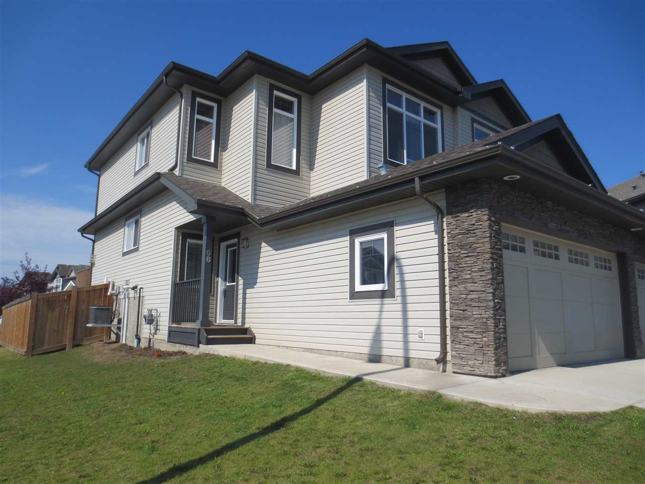Main Photo: 68 AUSTIN Court: Spruce Grove House Half Duplex for sale : MLS® # E4077923