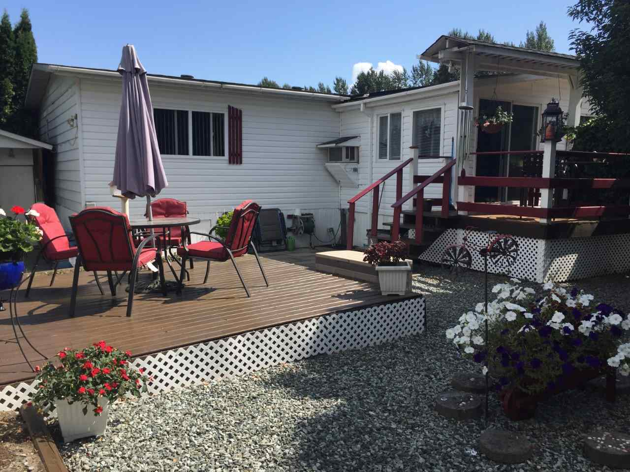 "Main Photo: 142 3300 HORN Street in Abbotsford: Central Abbotsford Manufactured Home for sale in ""Georgian Park"" : MLS®# R2197689"