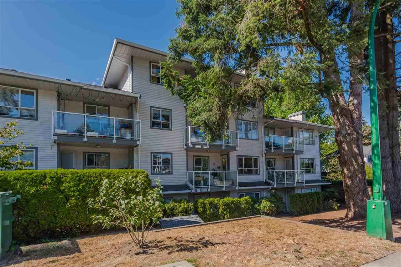 "Main Photo: 202 5577 SMITH Avenue in Burnaby: Central Park BS Condo for sale in ""COTTONWOOD GROVE"" (Burnaby South)  : MLS® # R2204336"