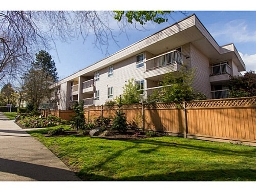 "Main Photo: 108 825 E 7TH Avenue in Vancouver: Mount Pleasant VE Condo for sale in ""MT PLEASANT MANOR"" (Vancouver East)  : MLS® # R2205571"